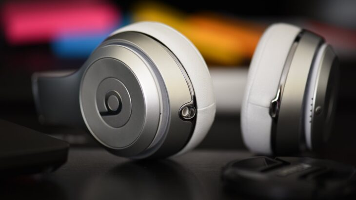 white beats by dr dre wireless headphones